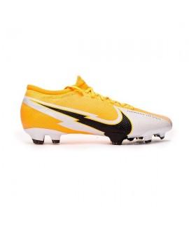 Scarpe Scarpa calcio Nike Vapor 13 Pro FG laer orange/black-white AT7901801 120,00€